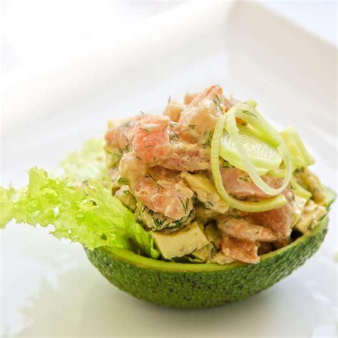 raifort cuisine recette avocats au saumon