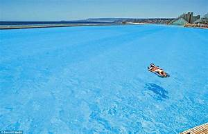 World's biggest pool holds 66 million gallons | Daily Mail ...