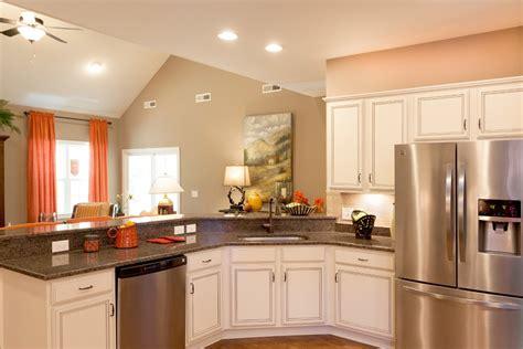 les cuisines de claudine cuisine peinte en beige chaios com