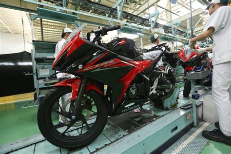 2018 honda cbr150r launched in indonesia gets two new colours