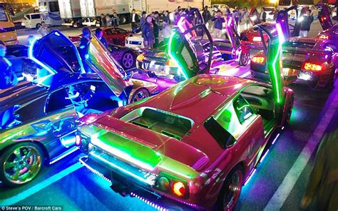 Blue Neon Wallpaper Blue Lightning Lamborghini by Japanese Boy Racers Whose Lamborghinis Flash Through