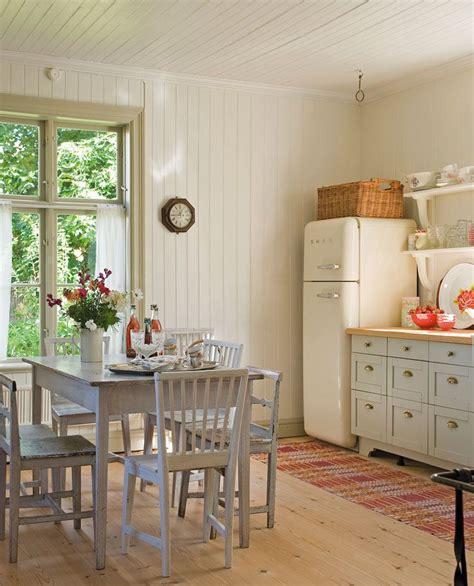 la cocina  el comedor se integran en  mismo espacio