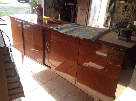 rénover un meuble avec de comment renover un meuble vernis evtod