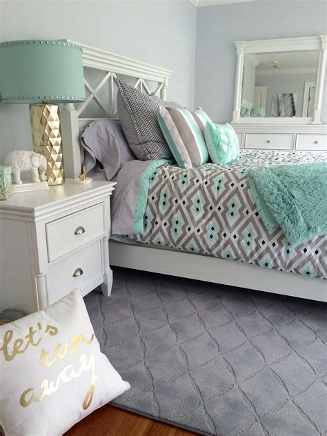 Gray Black And Bedroom Color Scheme by 19 Blissful Bedroom Colour Scheme Ideas The Luxpad