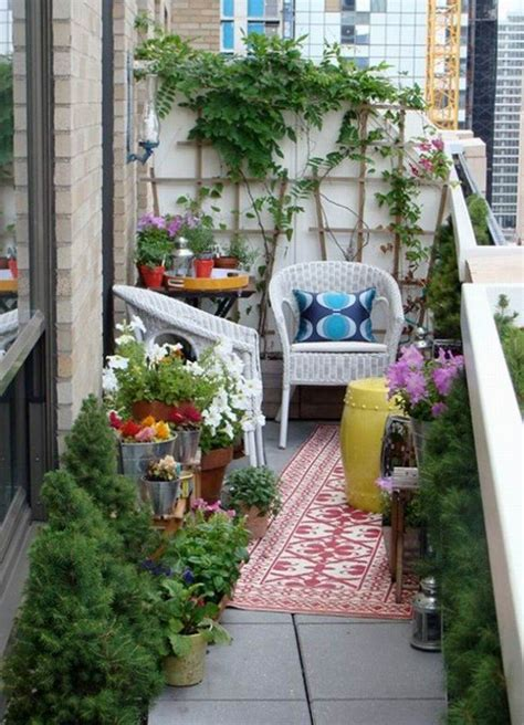Refreshing Small Balcony Gardens That Will Steal The Show