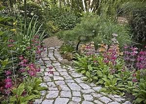17 meilleures images a propos de jardin en longueur With faire une allee de jardin avec des dalles 17 poser dallage conseils jointure solution efflorescence