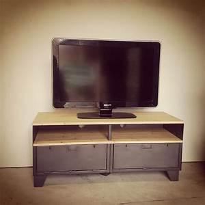 Meuble Acier Bois : meuble tv m tal et bois 120cm industriel restaur ~ Teatrodelosmanantiales.com Idées de Décoration
