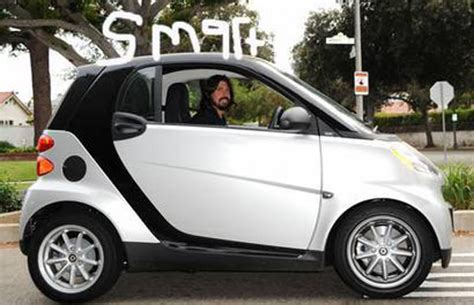 dave grohl  celebrities   smart cars complex
