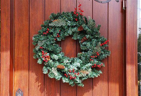 cordless pre lit indoor outdoor wreath sharper image