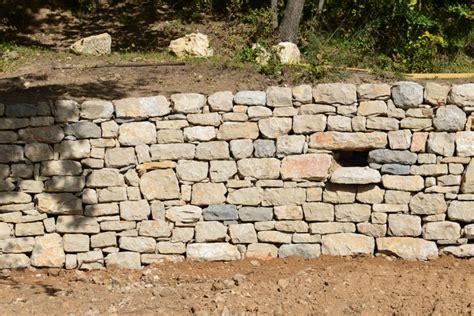 construire un mur en seche
