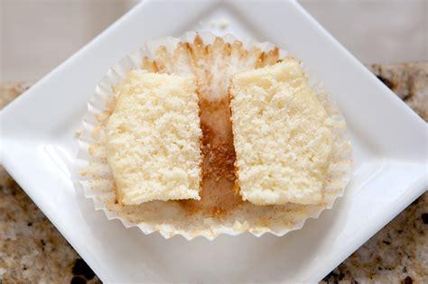 moist vanilla cake recipe best moist vanilla cupcake recipe