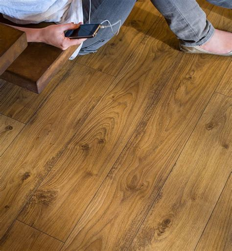 Quickstep Elite Old White Oak Natural UE1493 Laminate Flooring