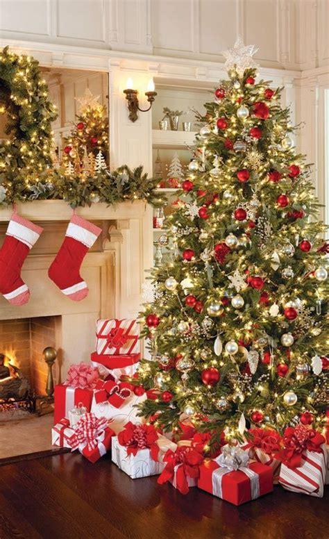 christmas tree decorations   organize