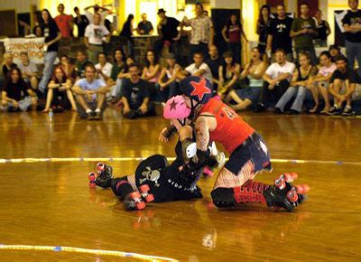 bout rules roller derby girls  wheels howstuffworks