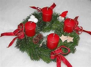 Künstlicher Adventskranz Dekoriert : adventskranz rot landhausstil natur weihnachtsgeschenk ~ Michelbontemps.com Haus und Dekorationen