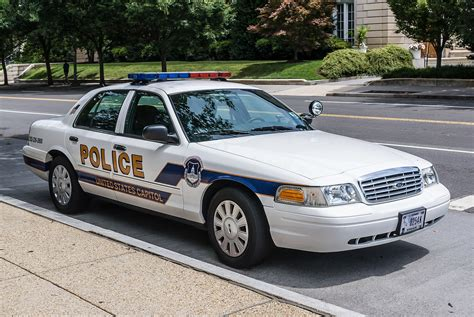 Police  Ee  Vehicles Ee   In The United States And  Ee  Canada Ee