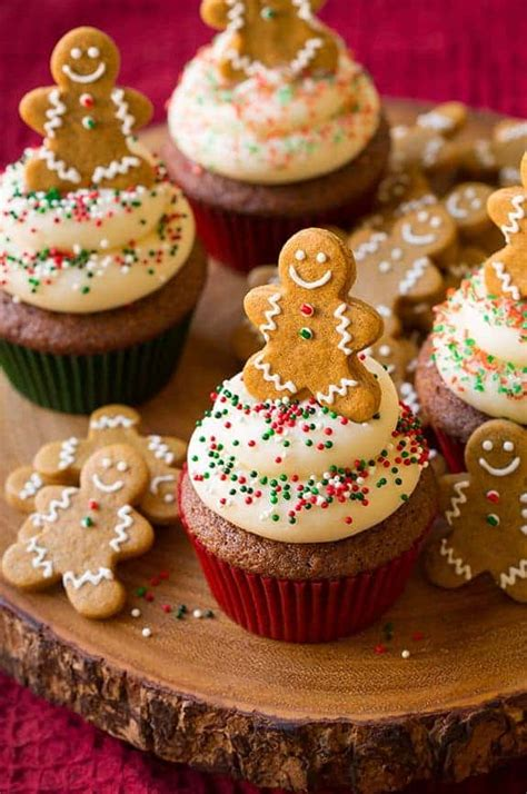 holiday deliciousness christmas cupcakes   perfect