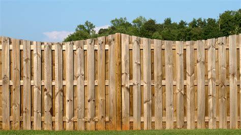 Sichtschutzzaun Aus Holz  Tipps Zu Aufbau Und Gestaltung