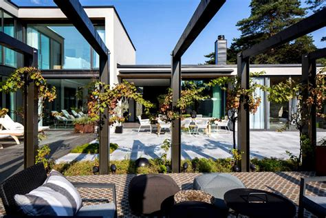 modern and functional villa j interiorzine
