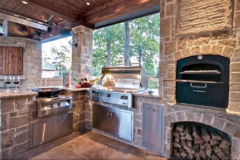 Complimentary And Professional Outdoor Kitchen Designs By