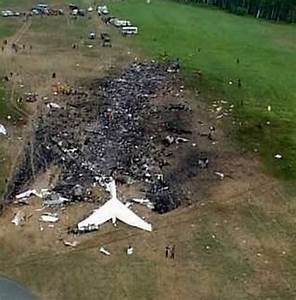 Crash scene near Shanksville, PA, of United Airlines ...