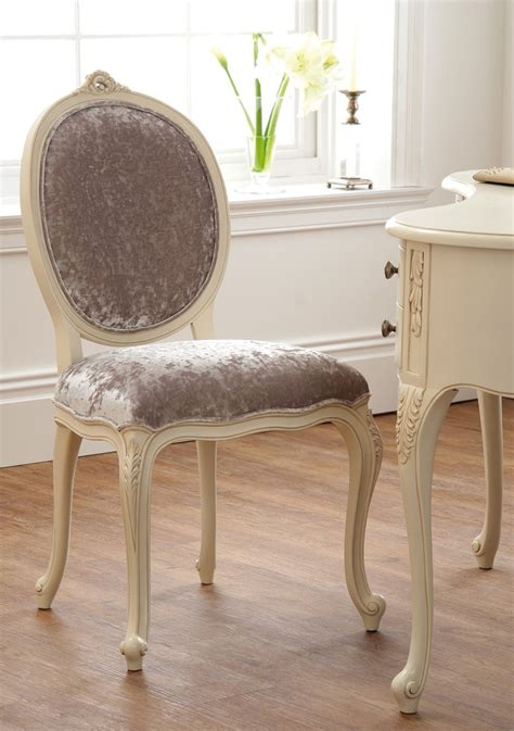 buy the best chair to use with dressing table