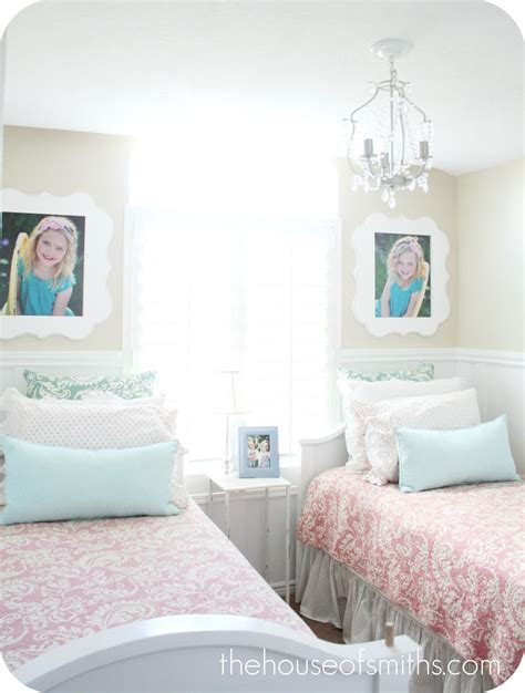 Orange Blossom Shop  Giveaway  Twin Room Decor
