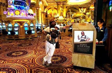 Hangover Caesars Palace Front Desk by 10 Best Images About Viva Las Vegas On Las