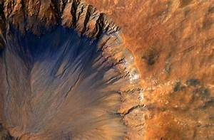 NASA confirms that water flows on Mars