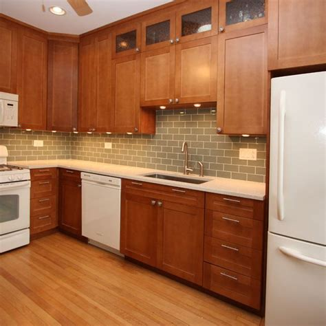Green Kitchen Cabinets With White Appliances by 1000 Ideas About Light Wood Cabinets On Wood