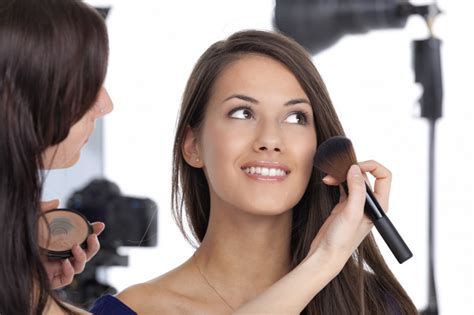 how do you become a makeup artist 5 steps to become a professional makeup artist
