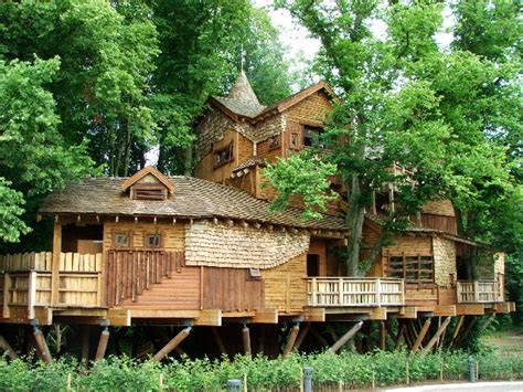 The World's Most Amazing Tree Houses  Mccullough's Tree