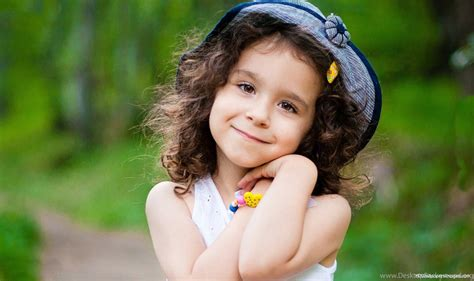 Cute Baby Girl Wallpapers For Mobile The Art Mad