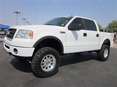 sell   ford   xlt super crew cab  lifted