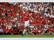 Dennis Bergkamp is considering pursuing a coach career