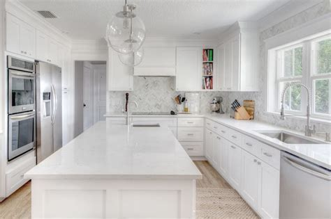 The Kitchen: Roseland Project    White and grey kitchen