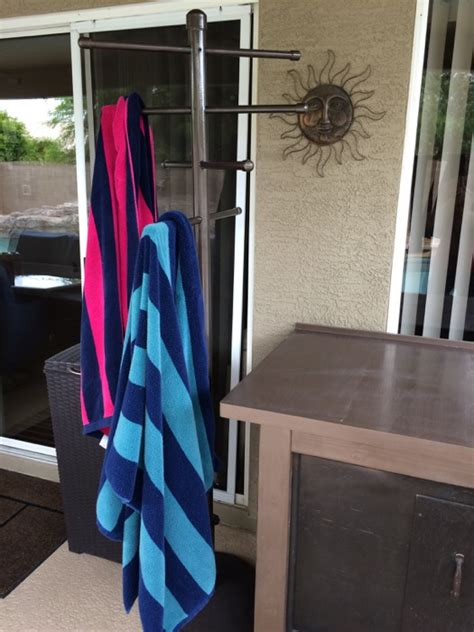 easy diy pvc poolside towel rack stuffandymakescom