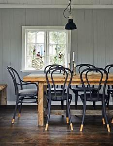 Table Et Chaise Bistrot : chaise bistrot noir table bois brut salle manger ~ Teatrodelosmanantiales.com Idées de Décoration