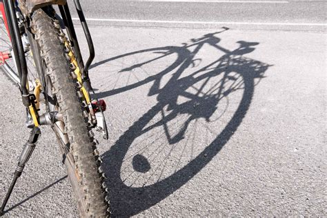 Cyclists, you too are unsafe without insurance!! Cyclists Safety Tips - DTRIC Insurance