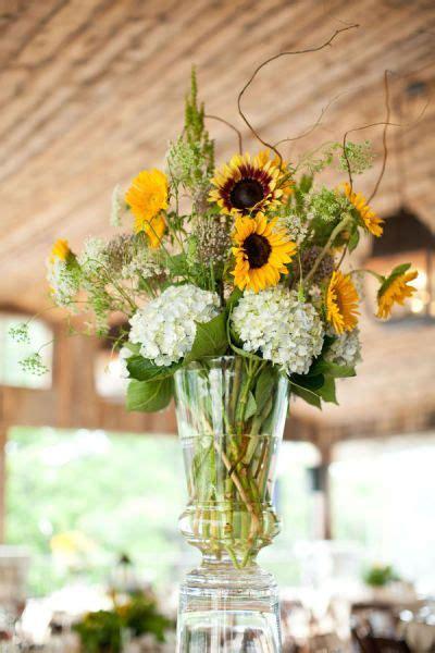 ideas  sunflower wedding centerpieces