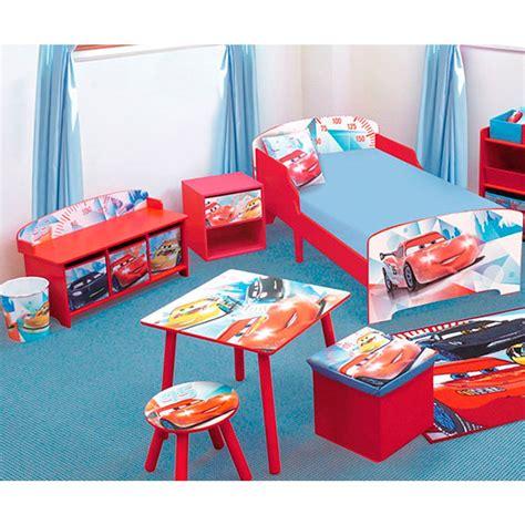 decoration chambre cars banc et coffre de rangement cars racing disney