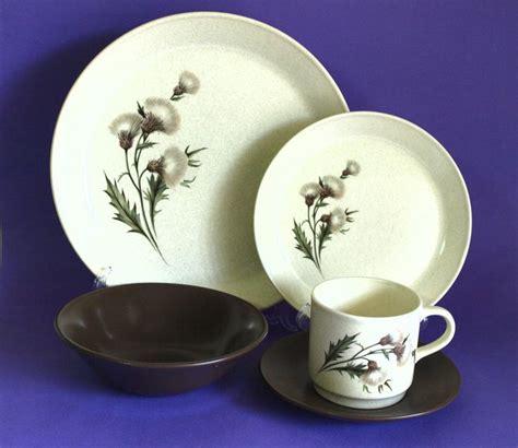 thistle australia dinnerware johnson scottish dinner 70s floral flower setting sets pattern pottery