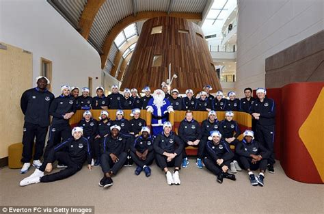 Everton Players Bring Christmas Joy To Alder Hey Children Fancy Dress For Christmas Party Template Shared Parties London Tropical Ideas Cheap Dresses Very Merry Office Sydney Murder Mystery