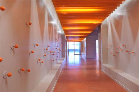 school corridor design wallpaper