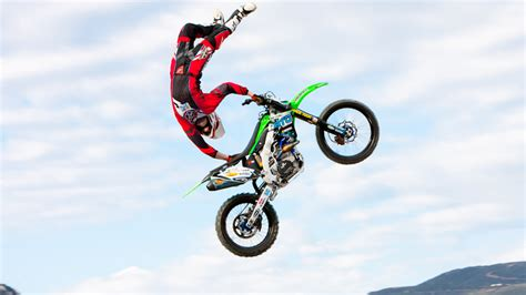 motocross freestyle riders brazilian fmx riders fred kyrillos and jeff cacci in so cal