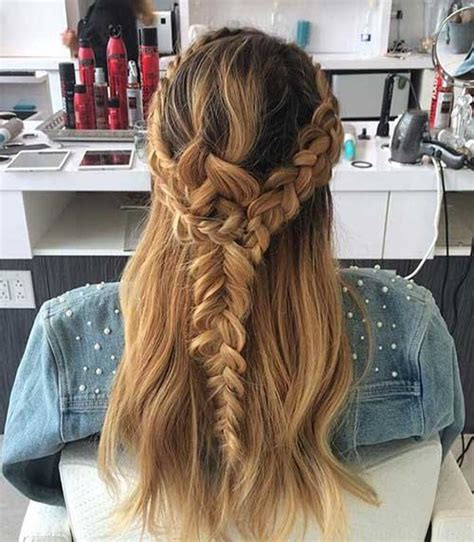 10 most popular half up half down curly hairstyles