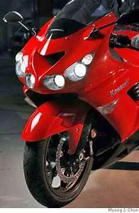 Kawasaki U0026 39 S Sleek Zx-14 -- Powerful  But Nimble