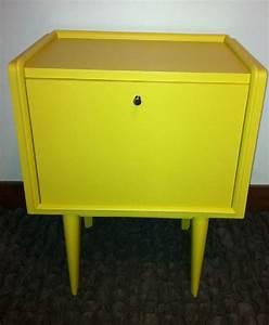 Table De Chevet Jaune : table de chevet jaune ~ Melissatoandfro.com Idées de Décoration