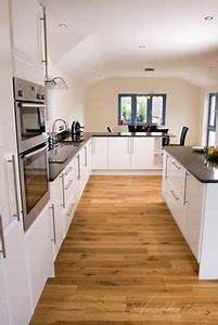 Holzdielen In Der Küche : die 25 besten ideen zu k che eiche rustikal auf pinterest rustikale k chen beleuchtung ~ Markanthonyermac.com Haus und Dekorationen