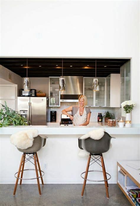 tabouret de cuisine en bois comment adopter le tabouret de bar dans l 39 intérieur moderne